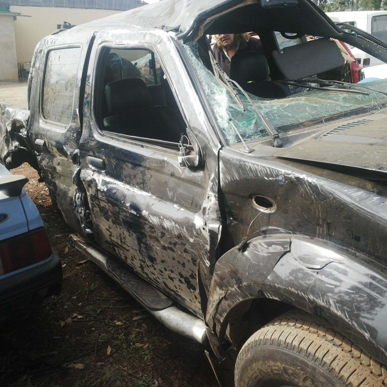 Basil Used Cars >> NISSAN 300TD DOUBLE CAB. STRIPPING FOR PARTS. – Durban ...